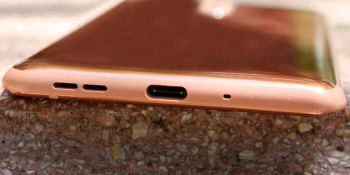 Nokia 8 charging port
