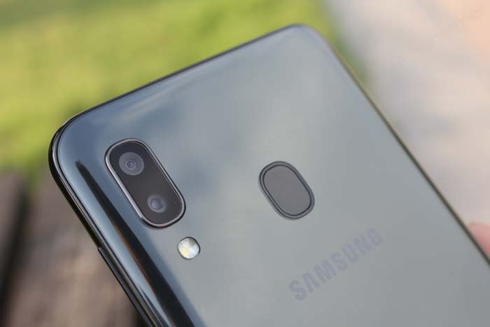 Samsung Galaxy A20 rear cameras